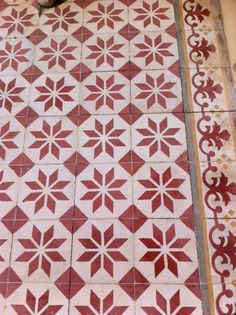 Tile pattern in Bang Khun Prom Palace, Bangkok.