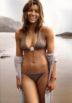 Hot nde and sexy photos of Jessica Biel. Jessica Biel is an American actress, model and singer. Biel Instagram, Body Inspiration, Fitness Inspiration, Workout Inspiration, Bikini Beach, Bikini Girls, Sexy Bikini, Thong Bikini, Bikini Swimsuit