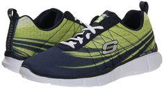 Otoño-Invierno. Súper ligero tejido de malla de ingeniería y materia sintética en un encaje hasta zapatillas de atletismo y entrenamiento con costura acentos y plantilla de espuma de memoria.