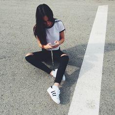 La reina de las #zapatillas deportivas en Marlo's. LoVe adidas Originals Super Star. Disponibleshttp://bit.ly/AdidasSuperStar