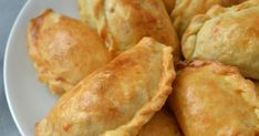 Meat Appetizers, Appetizers For Party, Appetizer Recipes, Snack Recipes, Cheese Wontons, Confort Food, Empanadas, Crab Meat, High Tea