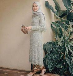 Kebaya Modern Hijab, Model Kebaya Modern, Kebaya Hijab, Model Kebaya Muslim, Kebaya Lace, Kebaya Dress, Dress Pesta, Batik Kebaya, Hijab Gown