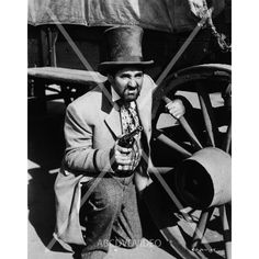 nice Pat Buttram in Top Hat from Valley of Fire 4896-08