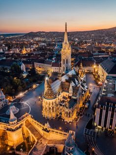 "Képtalálat a következőre: ""Budapest"" Most Beautiful Cities, Wonderful Places, Places Around The World, Around The Worlds, Capital Of Hungary, Coaching, Buda Castle, Hungary Travel, Romantic Picnics"