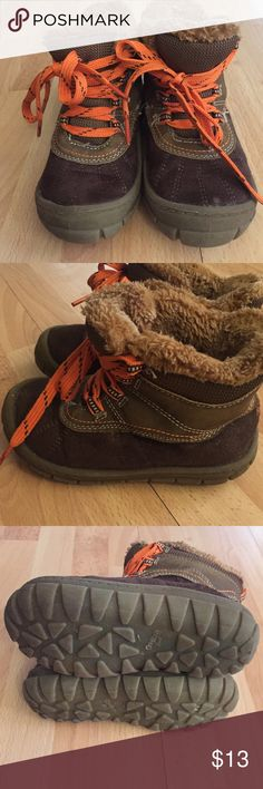 Boys Oshkosh brown winter boots 10 Barely worn! Great used condition. Osh Kosh Shoes Boots