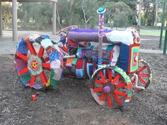 Yarn Bombed tractor done by Sarah-Jane Cook and a group of women from regional South Australia Crochet Quilt, Crochet Cross, Crochet Art, Bird Nesting Material, Graffiti, Urbane Kunst, Yarn Stash, Yarn Bombing, Freeform Crochet