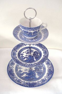 Tea / Cake Stand 3 Tiers - Vintage Blue and White Willow Pattern Blue Willow China, Blue And White China, Blue China, Love Blue, Blue Dishes, White Dishes, Tiered Dessert Stand, China Patterns, Blue Patterns