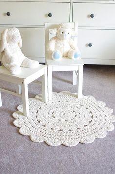 (4) Name: 'Crocheting : 'ALICIA' Doily Rug ~ 28'