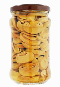 Zalewa octowa - 2 przepisy idealne do grzybów