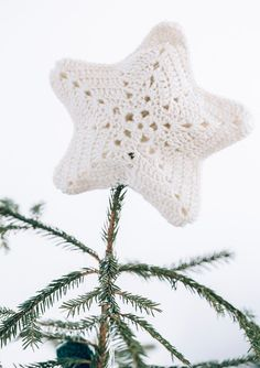 Stjerne White Christmas, Christmas Diy, Christmas Ornaments, A Hook, Christmas Knitting, Christmas Stockings, Tatting, Knit Crochet, My Design