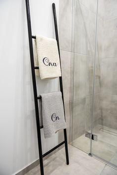 Drabinka classic do łazienki / Drabina wieszak - dodatki - dekoracje - różne - Pakamera.pl Tobacco Sticks, Hygge, Ladder Decor, Dom, Home Decor, Bathroom, Washroom, Decoration Home, Room Decor