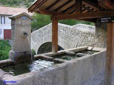 Vieux pont du Fugeret sur la Vaïre