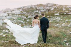 Rugged & Romantic Coastal Wedding Shoot | Candace Berry Photography