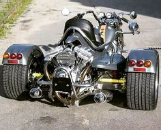 Auto repairs can seem complex and intimidating at first, but really the basics aren't too difficult! Learning more about auto repairs can help you save a Three Wheel Motorcycles, 3 Wheel Motorcycle, Chopper Motorcycle, Cool Motorcycles, Bobber Chopper, Drift Trike, Vw Trike, Harley Davidson Trike, Custom Street Bikes