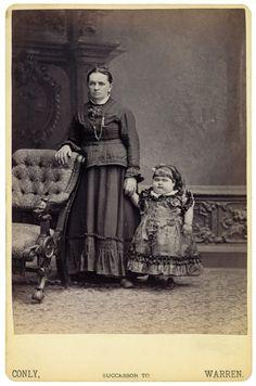 Des phénomènes de foire dans les années 1870 freaks