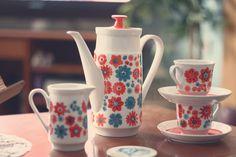 1970s coffee set / 70s tea set - retro goodness!