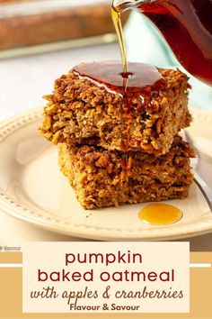 Wake up to a warm, comforting breakfast of Cranberry-Apple Pumpkin Baked Oatmeal. This make-ahead healthy breakfast recipe for pumpkin-spiced baked oatmeal is made with rolled oats, pumpkin purée, applesauce and cranberries. #pumpkinspice #cranberries #mealprep #freeze #applesauce Baked Pumpkin, Pumpkin Puree, Pumpkin Spice, Gluten Free Breakfasts, Healthy Breakfast Recipes, Oatmeal Recipes, Pumpkin Recipes, Delicious Desserts, Dessert Recipes