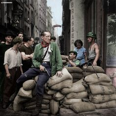 French resistance barricade, Paris, 1944 : Colorization