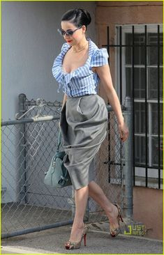 Dita in Vivienne Westwood. Love this tailored look !Retro Inspired Streetstyle