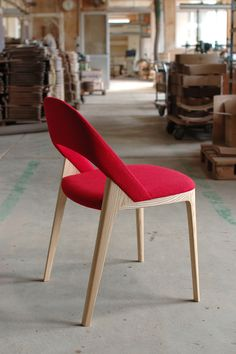 Year: 2013 The design of the Clamp Chair was driven by the idea to create comfor. - Year: 2013 The design of the Clamp Chair was driven by the idea to create comfortable yet light furn - Folding Furniture, My Furniture, Modern Furniture, Furniture Design, Dinning Chairs, Cafe Chairs, Room Chairs, Chair Design Wooden, Sofa Design