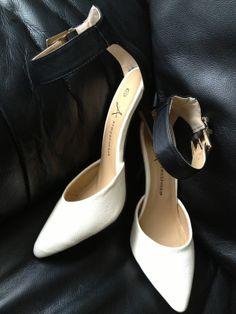 pick up 17306 c26e1 25 mejores imágenes de zapatos   Shoes sandals, Slippers y Heel boot