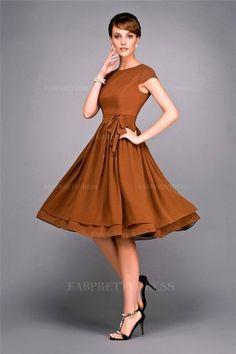 A-Line/Princess Jewel Knee-length Chiffon Prom Dress