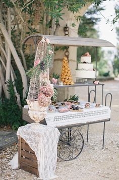 Romantic Provencal Fig + Berry Wedding Inspiration. Photography: Cat Hepple  - www.cathepplephotography.com/