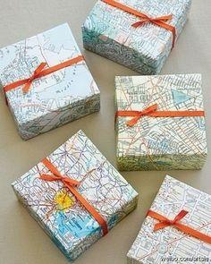 #map #gift #wrap #wrapping #idea  Gebruik een oude kaart als cadeaupapier. Bijzonder en extra leuk!