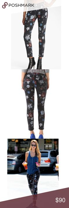 Current/Elliott Stilletto Black Wildflower Jeans These are Current/Elliott 'The Stilletto' Black Wildflower jeans. Jessica Alba was seen wearing the same kind of jeans! These are in excellent condition and are a size 26. Current/Elliott Jeans Skinny