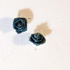 orecchini rose di stoffa blu