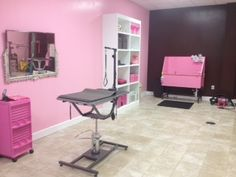 Full and self service grooming available! Call today to book Pet Shop, Dog Grooming Shop, Dog Grooming Salons, Dog Grooming Business, Puppy Room, Kennel Ideas, Dog Salon, Animal Room, Pink Poodle