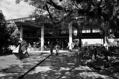 A Faculdade de Arquitetura da Universidade Federal da Bahia, também conhecida como FAUFBA, é a faculdade de ensino superior da UFBA dedicada ao ensino de Arquitetura e Urbanismo. O prédio teve projeto elaborado por uma comissão composta pelos professores Diógenes Rebouças, Américo Simas e Oscar Caetano Silva, com obras iniciadas em 1965.