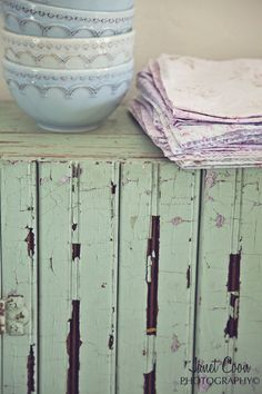 textures... chippy wood, shiny bowls, soft linens