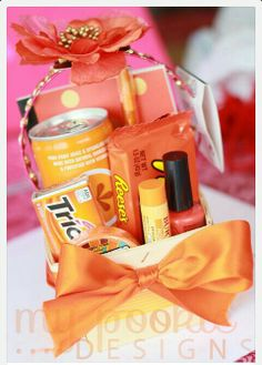 Cute creative gift. All you how to do is find out your friend's favorite color.