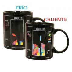 Taza de Tetris que cambia cuando le pones un líquido caliente. A completar filas!!    Lo puedes encontrar aquí: http://www.regatron.es/regalos-originales/para-frikis/taza-tetris-frio-calor.html