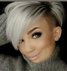 Shaved Sides Haircut Female Ideas im Jahr 2019 - rasierter Bob - Short Hair Cuts Shaved, Shaved Side Haircut, Shaved Side Hairstyles, Short Straight Hair, Short Hairstyles For Women, Bob Hairstyles, Shaved Sides Pixie, Bob With Shaved Side, Short Trendy Haircuts