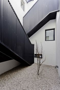 Two Houses Conde /  Hitzig Militello arquitectos. Minimalist style is one of the crowning architectural achievements of the 20th century. Minimalism is charming in almost any space. Simplicity and elegance in furniture and decor choices. Check out http://www.pinterest.com/homedsgnideas/ for more amazing ideas.