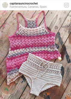 Astrid Top made with Katia Bombay and Angela highwaist bottom (though here a bit lower version) made with Nako comfort stretch☀️☀️☀️. Bikinis Crochet, Crochet Bra, Crochet Bikini Pattern, Crochet Geek, Crochet Shirt, Crochet Clothes, Shorts E Blusas, Crochet Bathing Suits, Crochet Stitches