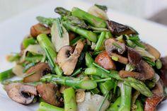 Marinated Mushrooms and Asparagus Salad