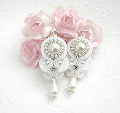 gallatea / Na ružiach ustlané a perly v ušiach /šujtášové svadobné náušnice, zapínanie Ag925/