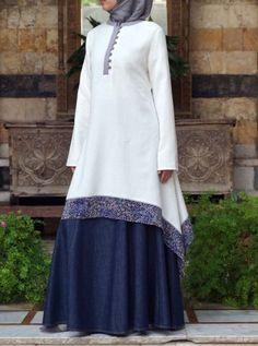 Fashion Arabic Style Illustration Description Hijab Fashion Printed Hem Tunic – Read More – Hijab Fashion 2016, Abaya Fashion, Modest Fashion, Fashion Dresses, Fashion 2018, Modest Dresses, Modest Outfits, Moslem Fashion, Mode Abaya