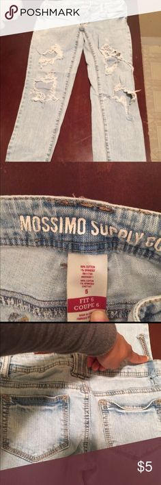 Target jeans Size 5 distressed jeans tight fit skinny leg Mossimo Supply Co Jeans Skinny