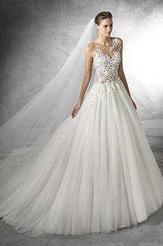 Organza ball gown wi