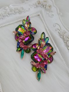 Expensive Jewelry, Romantic Dinners, Designer Dresses, Jewerly, Brooch, Indian, Luxury, How To Make, Accessories