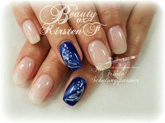 #babyboomer #cateyenails #altefrieda #beautyboxkirstenf #nails #nageldesign #airbrushnails #nailart #feathernails