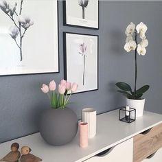 Home Decoration Inspiration Product Interior Rugs, Interior Trim, Interior Styling, Interior Decorating, Pink Hallway, Black Hallway, Bedroom Color Schemes, Bedroom Colors, Landing Decor