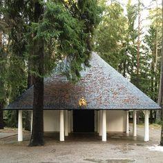 Woodland Chapel by #ErikAsplund (1920)  #architecture #ArchDaily #instagood #stockholm #iphonesia (at Skogskyrkogården)