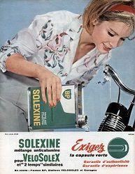 Solexine-carburant-pour-Velosolex-mélange-2-pour-cent-Paris-France-Europe