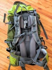 North Vybe Hiking Backpack of around 80 Liters. The North Vybe bag is good for long excursion because it is very comfy and very Bike Seat Bag, Bike Bag, Bike Panniers, Bike Handlebars, Speed Bike, Daisy Chain, Hiking Backpack, Cool Bikes, Golf Bags