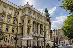 Location Saisonnière, European Countries, Budapest Hungary, History Museum, Amazing Architecture, City Life, Old Town, Castle, Louvre